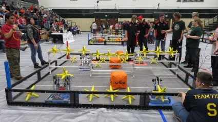 booth-11-21-2016-robotics-11-19-2016-043